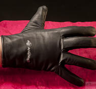 Vampire gloves woman