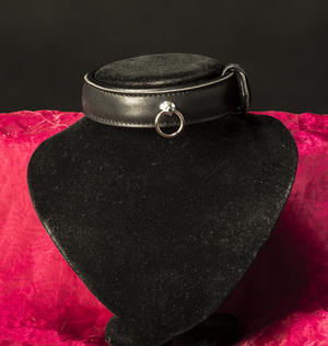 Fodrat halsband i äkta läder
