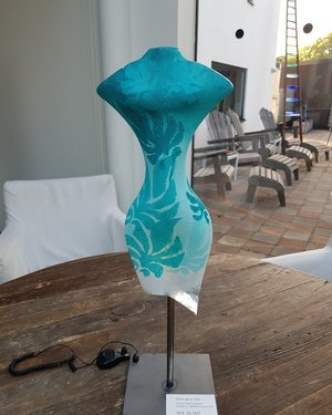 Lady Figure Blue Green - Kosta Boda Limited