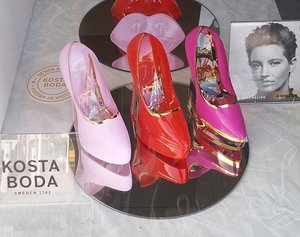 Make Up Shoe Cerise - Kosta Boda