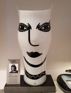 Open Minds Vase White - Kosta Boda