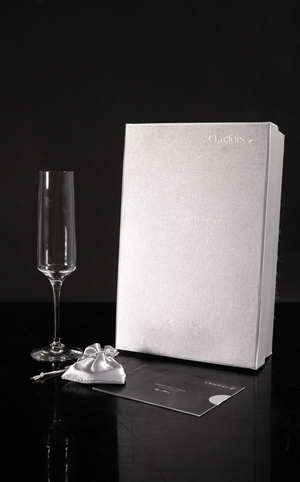 Amor Vincit Omnia Champagne Glass Diamond edition