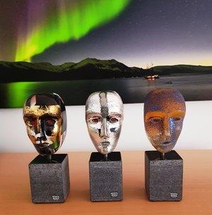 Brains on Base Hefaistos Black Gold Head - Kosta Boda