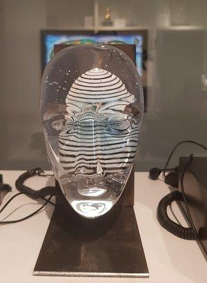 Big Brains Look with metal tripod - Kosta Boda