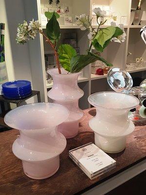 Pagod Pink Vase Low - Kosta Boda
