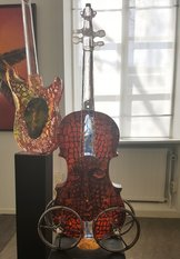 Violin Red with Head