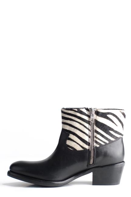 KOAH Zebraboots