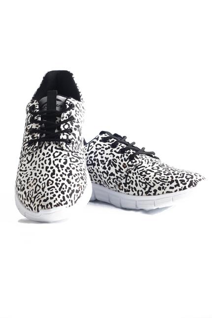 Lovely Leopard Sneaker