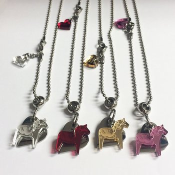 Necklace with Dala horse in mirror plexiglass heart in steel, model Love