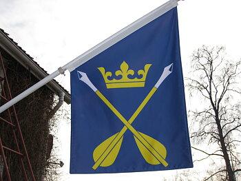 """Fasadflagga - Dalarnas landskapsvapen """"Dalpilarna"""""""