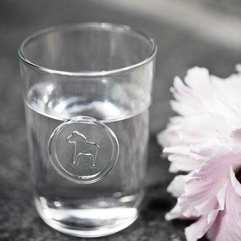 Dricksglas med handblåst Dalahäst