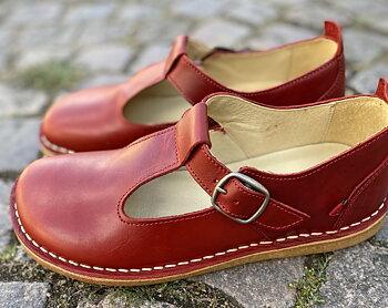 Bred sko från Grunbein, modell Paula, röd