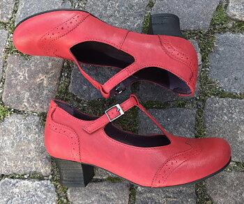 Brako sko modell Minthy,  40-tal  stil, vintage, Mary Jane , röd