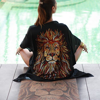 "Kimono ""Be the Lion"" 