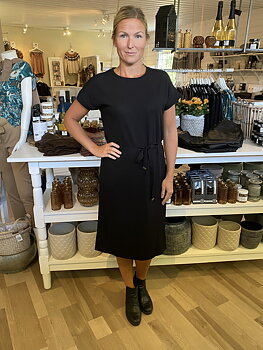 Saint Tropez Beathe Dress Svart