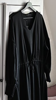 SIRI Dress Black - Black Colour