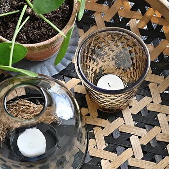 Ljuslykta i brunt glas - Ib Laursen
