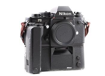 Hyra Nikon F3 + MD-4