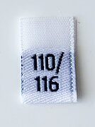 White woven folded sizelabel 110/116