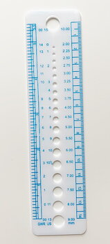 Knitting ruler