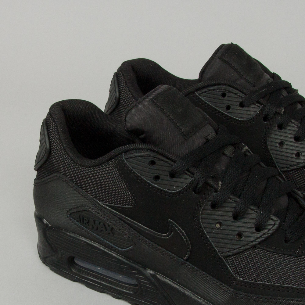 Nike Air Max 90 Essential Shoeline