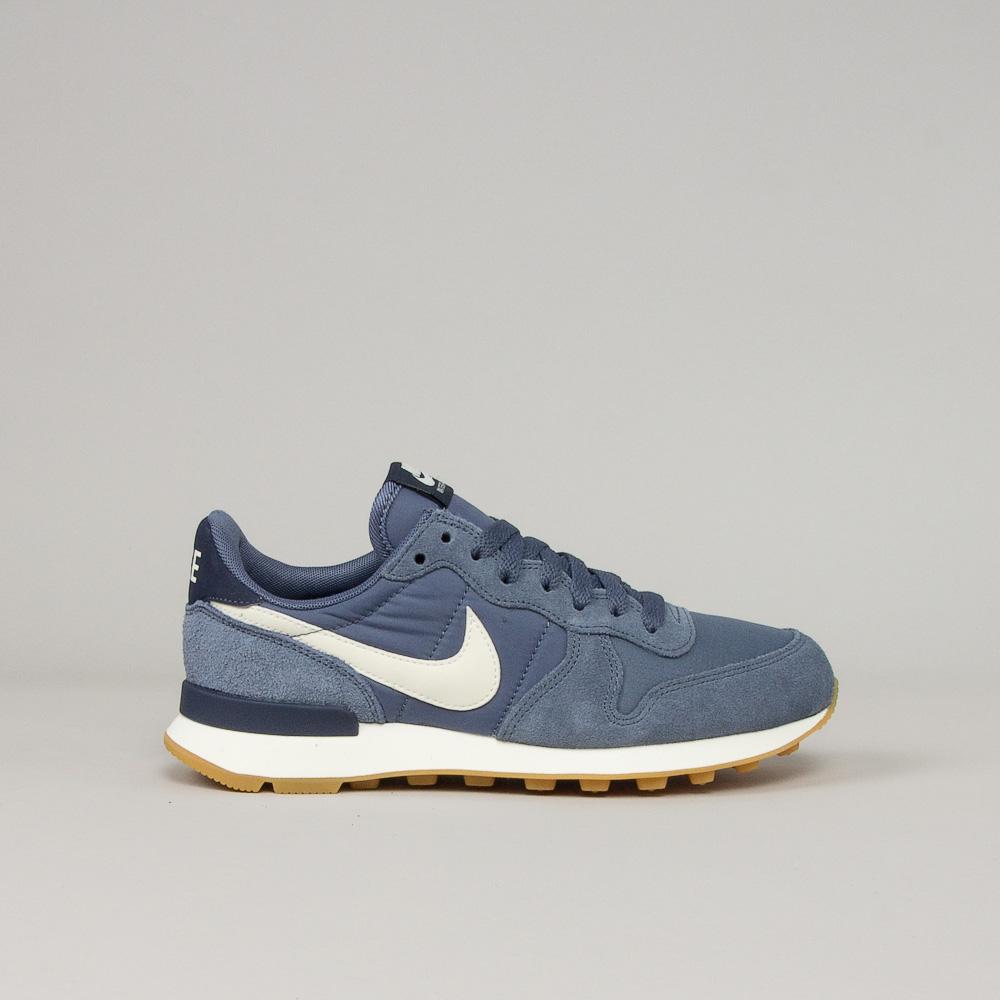 Nike Wmns Internationalist Shoeline