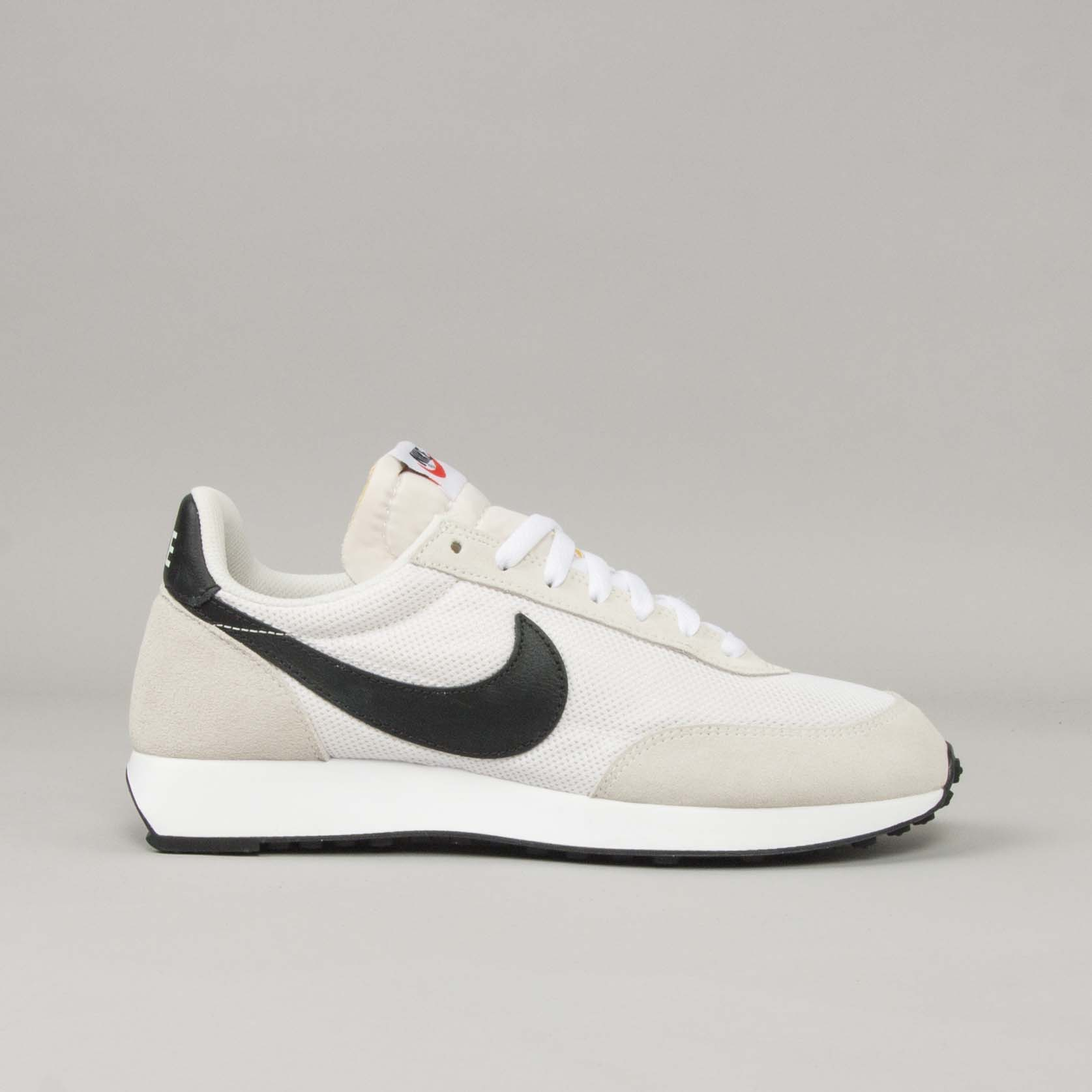 Nike Sportswear Shoeline