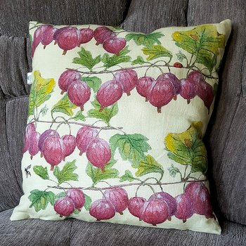 Cushioncover in linen mix Red Gooseberries 50x50 cm