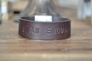 Läderarmband I AM ENOUGH