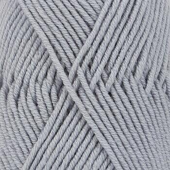 Drops Merino Extra Fine Uni Colour 38 blå dimma