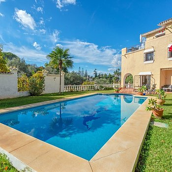 Villa for sale El Rosario Marbella 7 bedrooms