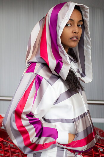ARIANA-hoodie