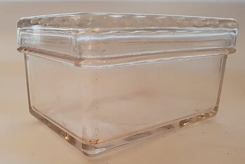 Gullaskruf butterbox pressglass