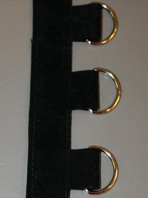 BAND m. D-ringar- svart/silver