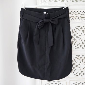 Kjol Andrea SVART (flera storlekar) - Saint Tropez