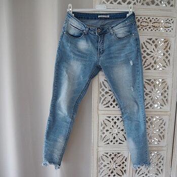 Jeans med fransar LJUS DENIM (flera storlekar) - Place du Jour