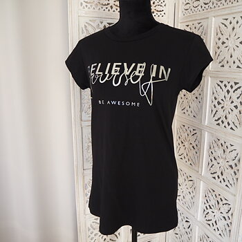 T-shirt Believe in yourself Svart/Silver One Size - Mix By Heart