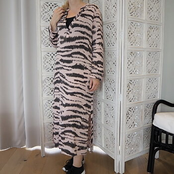 Skjortklänning Zebra ROSA One Size - Stajl Agenturer