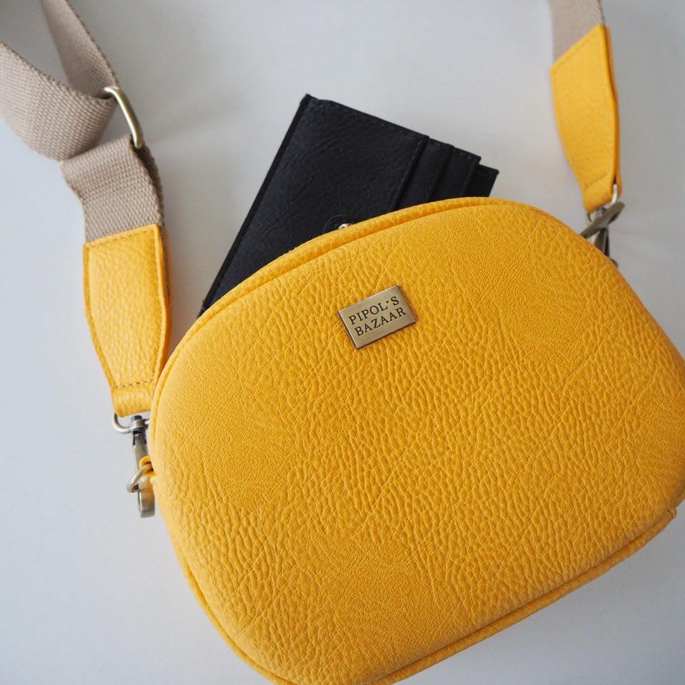 väska med utbytbar axelrem