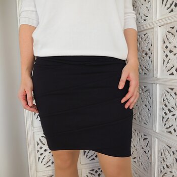 Kjol Nellie Skirt SVART (flera storlekar) - Saint Tropez