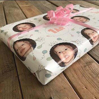 Wrap paper Congratulations