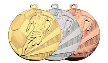 Fotbollsmedalj präglad 50 mm - Pris inklusive medaljband och valfri text på baksidan