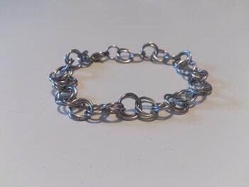 Circle armband