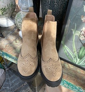 Lace Boots Beige