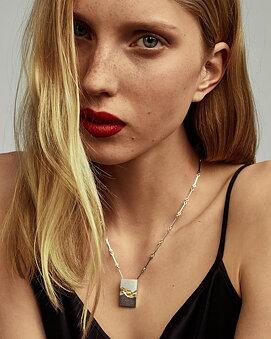 Golden Chasm Halsband