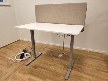 Elektriskt höj & sänkbart skrivbord, Swedstyle - 140 x 80 cm