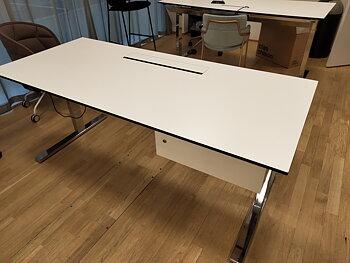 Höj och sänkbart skrivbord, Ragnars Inredningar + Skärmvägg - 180 x 80 cm