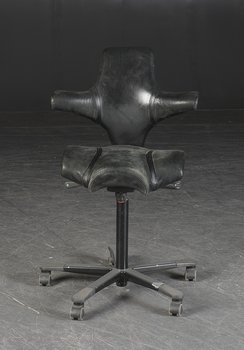 Office chair, HÅG Capisco 8106 Saddle seat in leather & high lift