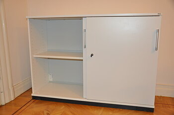 Lockable storage cabinet with sliding doors, Kinnarps Storage - Several sizes lockable AdjektivFrekvens låsbar lockable, lockup