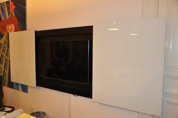AV-skåp whiteboard med Smart-TV Samsung 46 tums UE46F8005